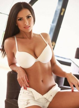 Myanna live escort in Union Park