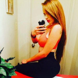 Levanah call girls in Clarksville Tennessee